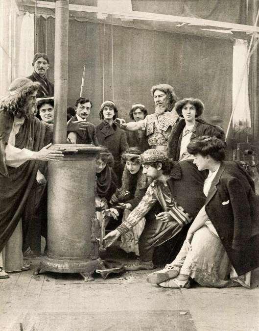 LE FILM D'ART - Paul Mounet dans le studio de la rue Chauveau à Neuilly 1908