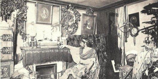 SUDOUEST - Mounet-Sully dans sa loge à la Comédie-Française - DR